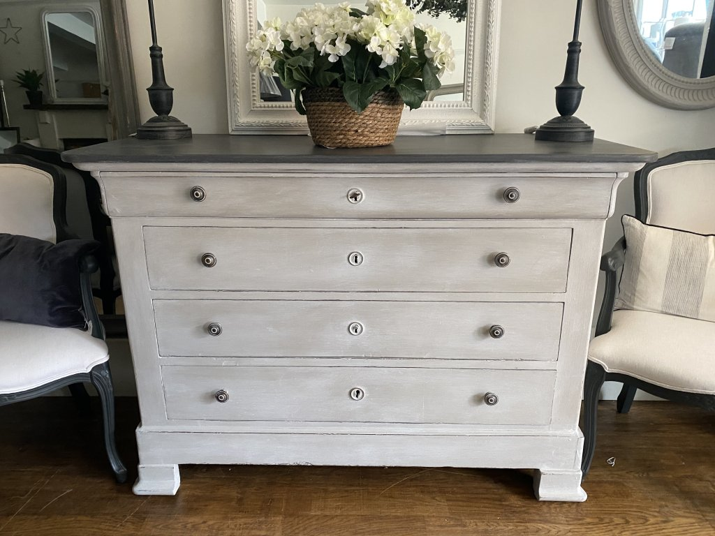 French Commode / Chest Of Drawers