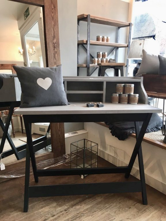 New Campaign Style Desk