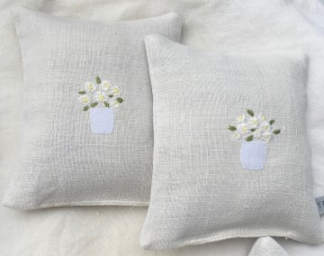 Hand Embroidered Vintage Linen Lavender Bag - Daisies